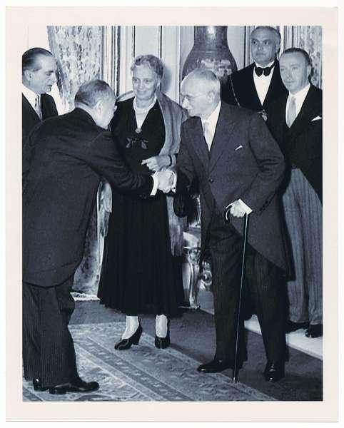 Il Presidente della Repubblica Luigi Einaudi e la signora Ida Einaudi per gli auguri di Capodanno alle Alte cariche dello Stato