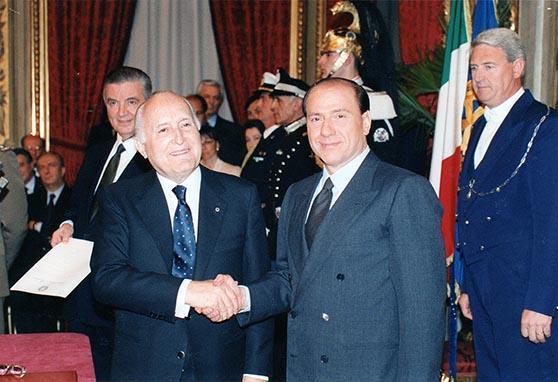 Il Presidente della Repubblica Oscar Luigi Scalfaro alla cerimonia di Giuramento dei componenti del I Gabinetto Berlusconi