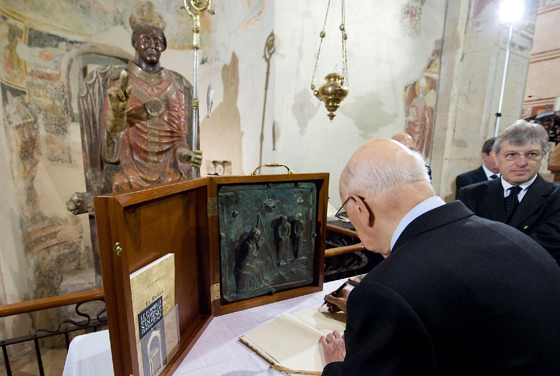 Il Presidente Giorgio Napolitano in visita alla Basilica di San Zeno