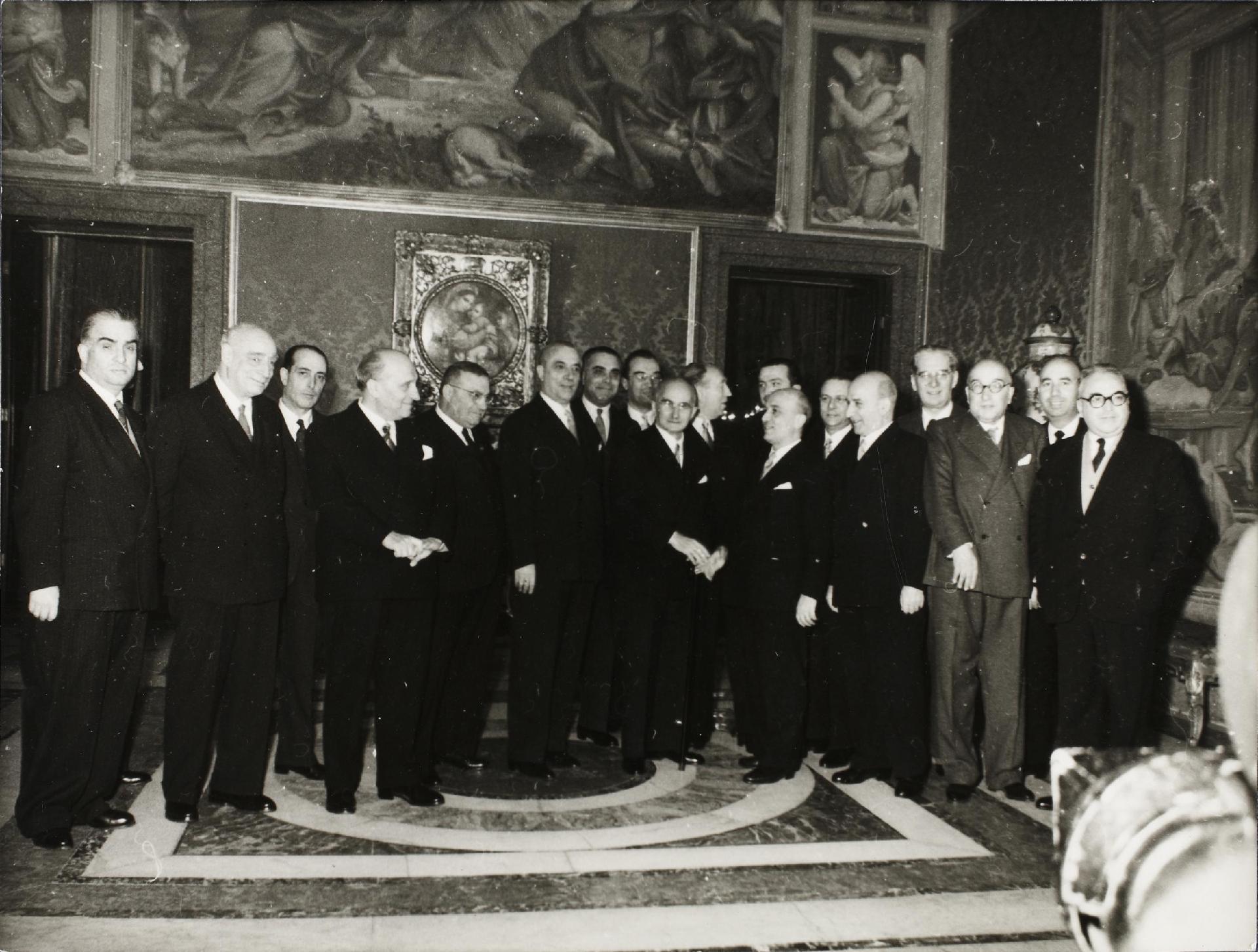 I Governo Fanfani, 19 gennaio 1954