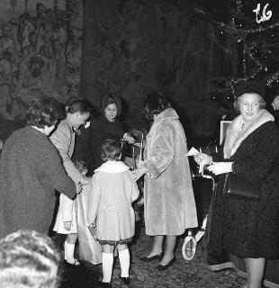 Distribuzione di pacchi dono ai figli dei dipendenti del Segretariato Generale della Presidenza della Repubblica
