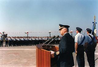 Taranto: intervento alla cerimonia di giuramento degli Allievi della Scuola Addestramento Reclute dell'Aeronautica Militare e successiva esibizione della P.A.N. Frecce Tricolori