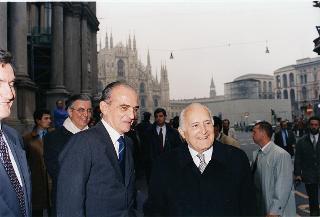 Il Presidente della Repubblica Oscar Luigi Scalfaro durante la visita alla città di Milano