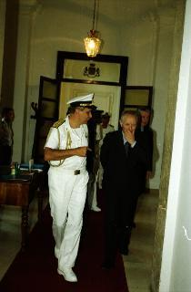 Visita del Presidente della Repubblica all'Ufficio per gli Affari Militari e, successivamente, all'Ufficio del Vice Segretario generale Amministrativo.