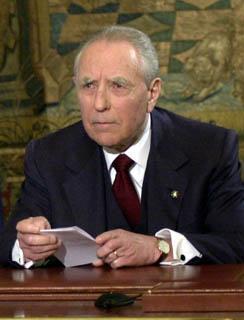 Il Presidente Ciampi durante il Messaggio agli italiani.