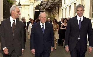Il Presidente Ciampi con il Presidente del Senato Marcello Pera e il Presidente della Camera dei deputati Pier Ferdinando Casini al ricevimento al Quirinale in occasione della Festa della Repubblica.