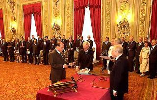Cerimonia di Giuramento del Governo Berlusconi davanti al Capo dello Stato Carlo Azeglio Ciampi nel Salone delle Feste al Quirinale.