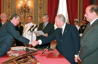 Giuramento del Ministro per gli Affari Regionali Enrico La Loggia.