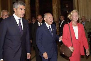 Il Presidente Ciampi con il Presidente del Parlamento Europeo Nicole Fontaine ed il Presidente della Camera dei deputati Pierferdinando Casini a Palazzo Montecitorio
