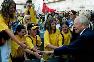 Il Presidente Ciampi al Vittoriano in occasione dell'apertura dell'anno scolastico 2003/ 2004.