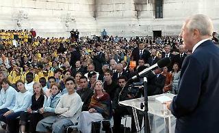 Il Presidente Ciampi, al Vittoriano, durante il suo intervento, in occasione dell'apertura dell'anno scolastico 2003/2004.