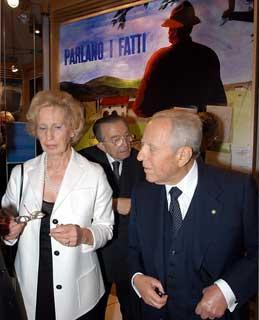 Il Presidente Ciampi con Maria Romana De Gasperi e Giulio Andreotti, alla inaugurazione della Mostra su Alcide De Gasperi nel 50°anniversario della scomparsa dello Statista