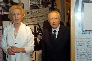 Il Presidente Ciampi con Maria Romana De Gasperi visitano la Mostra su Alcide De Gasperi, nella ricorrenza del cinquantesimo anniversario della scomparsa dello Statista