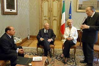 Il Presidente della Repubblica con Maria Romana De Gasperi, Silvio Berlusconi e Giulio Andreotti a Montecitorio per celebrare Alcide De Gasperi, nel 50°anniversario della scomparsa