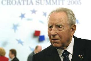 Il Presidente Ciampi durante i lavori del XVII Vertice dei Capi di Stato dei Paesi dell'Europa Centrale