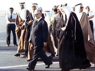 Il Presidente della Repubblica Giovanni Leone durante un viaggio all'estero