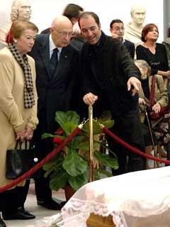 Il Presidente Giorgio Napolitano con la moglie Clio, alla Camera ardente del Maestro Gillo Pontecorvo, allestita nella Sala Protomoteca in Campidogio