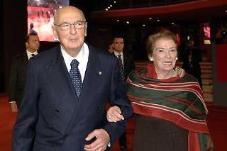 """Il Presidente Giorgio Napolitano con la moglie Clio all'Auditorium Parco della Musica per assistere al film """"Roma città aperta"""""""