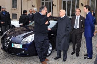 """Il Presidente Giorgio Napolitano con i vertici Fiat nel corso della presentazione della nuova vettura Alfa Romeo """"Giulietta"""""""