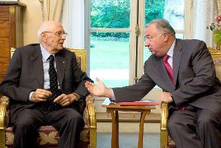 Il Presidente Giorgio Napolitano durante i colloqui con il Presidente del Senato francese Gérard Larcher