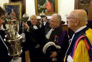 Il Presidente Giorgio Napolitano con il Rettore dell'Università Sorbonne-Paris IV Patrick Gérard, al termine della cerimonia di conferimento del dottorato honois causa