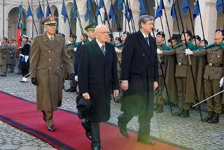 Il Presidente Giorgio Napolitano con il Sig. Danilo Türk, Presidente della Repubblica Slovena in visita di Stato in Italia, durante gli onori militari