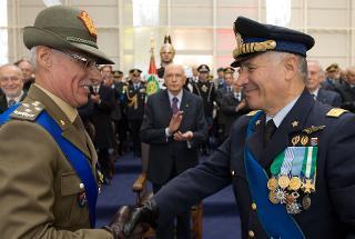 Il Presidente Giorgio Napolitano assiste alla cerimonia di cambio del Capo di Stato Maggiore della Difesa