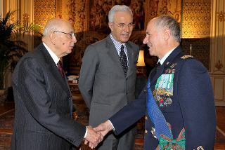 Il Presidente Giorgio Napolitano con il Gen. Vincenzo Camporini, Capo di Stato Maggiore della Difesa uscente