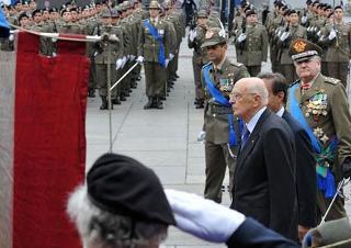 Il Presidente Giorgio Napolitano alla cerimonia del 150° anniversario della costituzione dell'Esercito Italiano