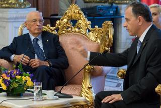 Il Presidente Giorgio Napolitano durante i colloqui con il Presidente del Senato di Romania Mircea Geoana