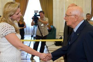 Il Presidente Giorgio Napolitano accolto dal Presidente della Camera dei deputati di Romania Roberta Anastase