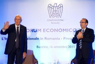 Il Presidente Giorgio Napolitano e l'Amb. d'Italia a Bucarest Mario Cospito, al termine del seminario degli imprenditori italiani che operano in Romania