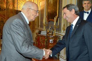 Il Presidente Giorgio Napolitano accoglie l'ing. Cesare Patrone, Capo del Corpo Forestale dello Stato