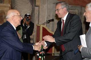 Il Presidente Giorgio Napolitano con Gugliemo Epifani, Segretario della C.G.I.L. ed il Presidente del Senato Franco Marini, in occasione della commemorazione dell'On. Luciano Lama