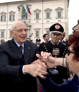 Il Presidente Giorgio Napolitano al termine della solenne cerimonia del cambio della Guardia del Reggimento Corazzieri