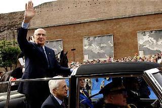 Il Presidente Giorgio Napolitano su Via dei Fori Imperiali, in occasione della Festa Nazionale della Repubblica