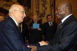 Il Presidente Giorgio Napolitano accoglie il Presidente della Repubblica del Burundi Pierre Nkurunziza