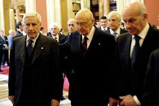 Il Presidente Giorgio Napolitano con i Presidenti di Senato e Camera Franco Marini e Fausto Bertinotti al termine della cerimonia in seduta comune per il 60° Anniversario della Costituzione