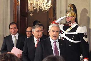 Il Presidente del Senato Franco Marini lascia il Palazzo del Quirinale dopo il colloquio con il Presidente Giorgio Napolitano