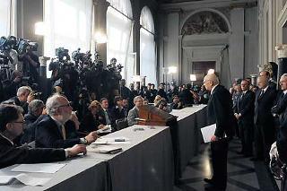 Il Presidente Giorgio Napolitano saluta i Giornalisti al termine delle comunicazioni relative al Decreto di scioglimento delle Camere