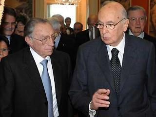 Il Presidente Giorgio Napolitano con il nuovo Ministro della Giustiza Luigi Scotti, al termine delle cerimonia di giuramento