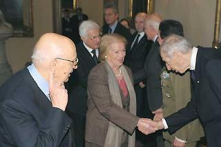 Il Presidente Giorgio Napolitano con la moglie Clio ed il Vice Presidente della Federazione delle Associazioni degli esuli istriani fiumani e dalmati in occasione della commemorazione del Giorno del Ricordo