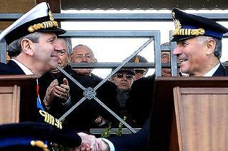 I Capi di Stato Maggiore della Difesa uscente ed entrante Giampaolo Di Paola e Vincenzo Camporini,durante la cerimonia del loro avvicendamento