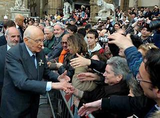 Il Presidente Giorgio Napolitano all'uscita da Palazzo Vecchio.