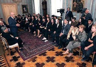 Il Presidente Giorgio Napolitano rivolge il suo saluto agli studenti del Campus estivo del Laboratorio di Pari Opportunità dell'Arcidonna