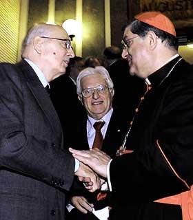 """Il Presidente Giorgio Napolitano salutato da S.Em. il Cardinale Crescenzio Sepe, autore del libro """"Non rubate la speranza"""" presentato all'Auditorium Augustinianum"""