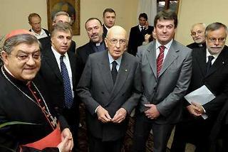 """Il Presidente Napolitano con D. Temperini, P. A. Mozzetta, il Presidente di Albania Bamir Topi e A. Riccardi durante la presentazione del libro """"Non rubate la speranza"""" di S.Em. il Cardinale Sepe"""