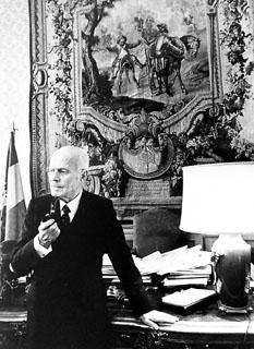 Il Presidente della Repubblica Sandro Pertini nel suo studio