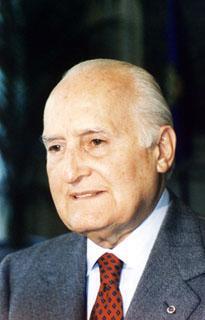 Il Presidente Oscar Luigi Scalfaro in una foto in primo piano