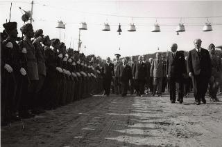 Il Capo Provvisorio dello Stato Enrico De Nicola durante il suo intervento alla Festa della Polizia